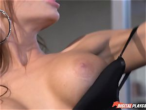 Madison Ivy has her pointy pussy speared