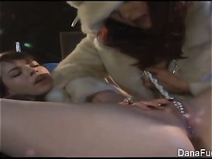 Dana DeArmond gets her cunny played with