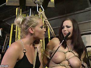 Kathia Nobili whip the tongue of sweetheart lady