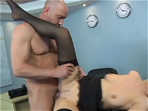 Samantha Hayes says sorry to her manager by wanking his boner