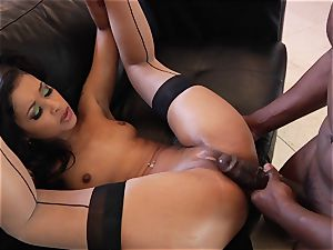 skin Diamond gets her face splooged with super-hot jizm