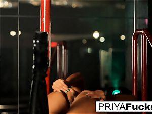 unwrap club performance by Indian cutie Priya Rai