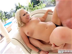 Allinternal blonde takes a yam-sized dick in her cock-squeezing bootie