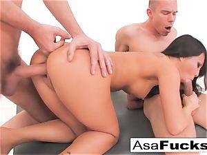 Asa Akira has a warm buttfuck threeway