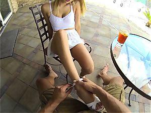 Natalia Starr takes her man inside to screw