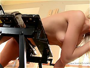 uber-cute towheaded Andrea Francis deep-throating man rod with her cupcakes out
