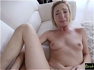 Bratty sister - prick slides In Sisters puss She luvs It