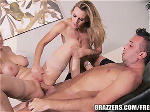 Brazzers - Julia Ann - dual Your enjoyment