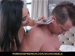SCAM ANGELS - Melissa Moore and steaming pals in foursome