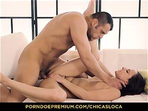 CHICAS LOCA scorching Amirah Adara ultra-kinky hookup and facial