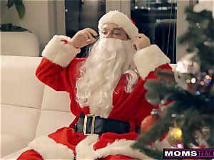 Santa's naughty Helpers In Christmas three-way S9:E7