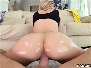 Jessa Rhodes is oiled up and prepared to be drilled