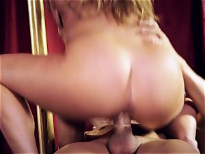 Carter Cruise rams her fuck-fest subs draped stiffy into her ass
