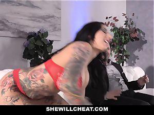 SheWillCheat - tart wifey bootie plumbed by friend