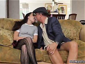 senior chick railing the elderly manhood!