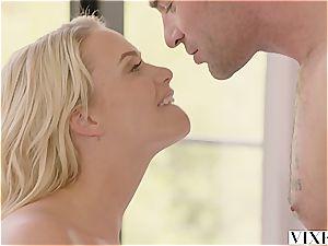 Mia Malkova seducing her sizzling renter