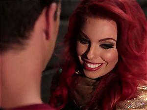 Britney Amber deep throats off a insatiable superhero