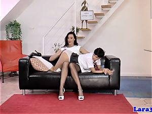 stylish brit mummy pussyrubbing with schoolgirl